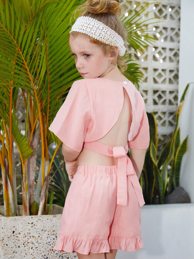 Sara Sets in Pink