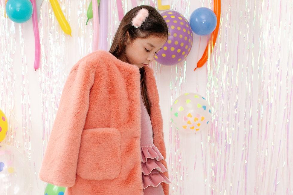 Look 9  Tina Dress Pink +  Candy Fur Cor