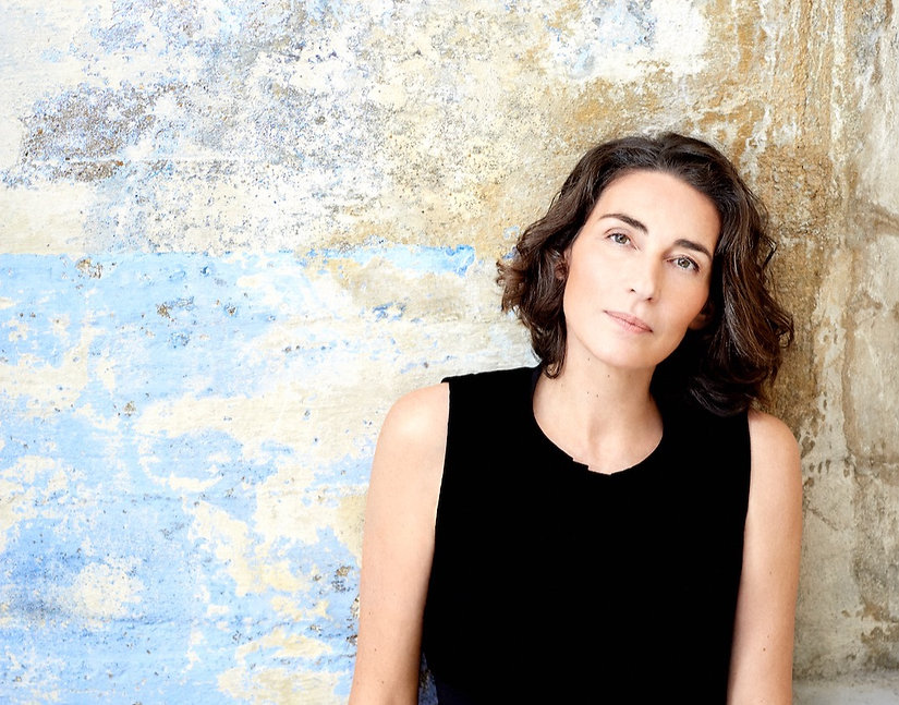 Portrait_by_Sandrine_Expilly_modifié.jpg
