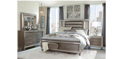 Lilla Collection PIECE BEDROOM SET IN SILVER GREY METALLIC