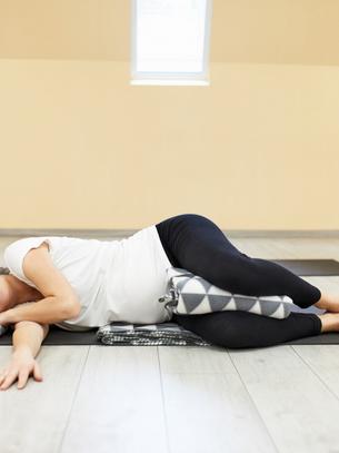pregnancy yoga 4.png