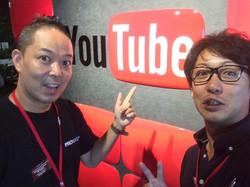 YouTubeの総本山、YouTubeSpaceTokyoにお呼ばれしたぜー♪ ライブメディアの巨匠カワイさんとパチリ(_☻-☻_)