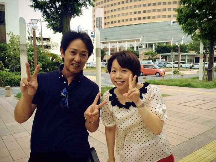 久保ひとみさんとご一緒させていただきました〜(_☻-☻_)_ホントに気さくな方で〜♪_暑い中ありがとうございましたっ!