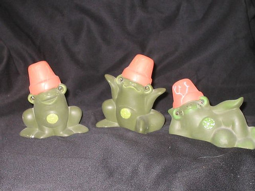 Set of 3 crackpot frogs