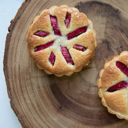 Almond Rhubarb Tarts