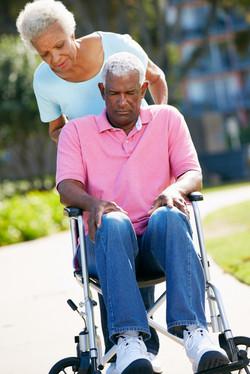 AA_elder_couple_24647025