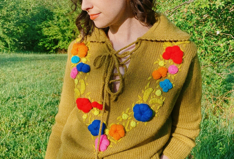 SZ S/M Olive Collared 70s Wool Sweater with 3D Embroidery