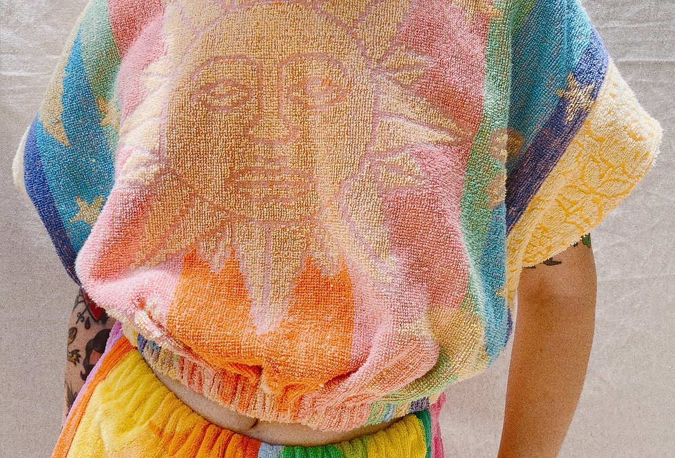 SZ A Everybody Loves the Sunshine Reversible Towel Pullover