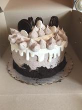 Oreo White Fudge Drip Cake