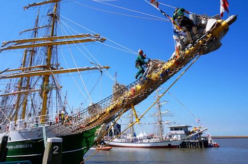 21030-sail-harlingen-2014_Henk50-W1024.jpg