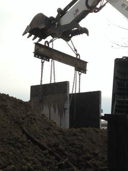 Craning Spreader Bar Concrete Well