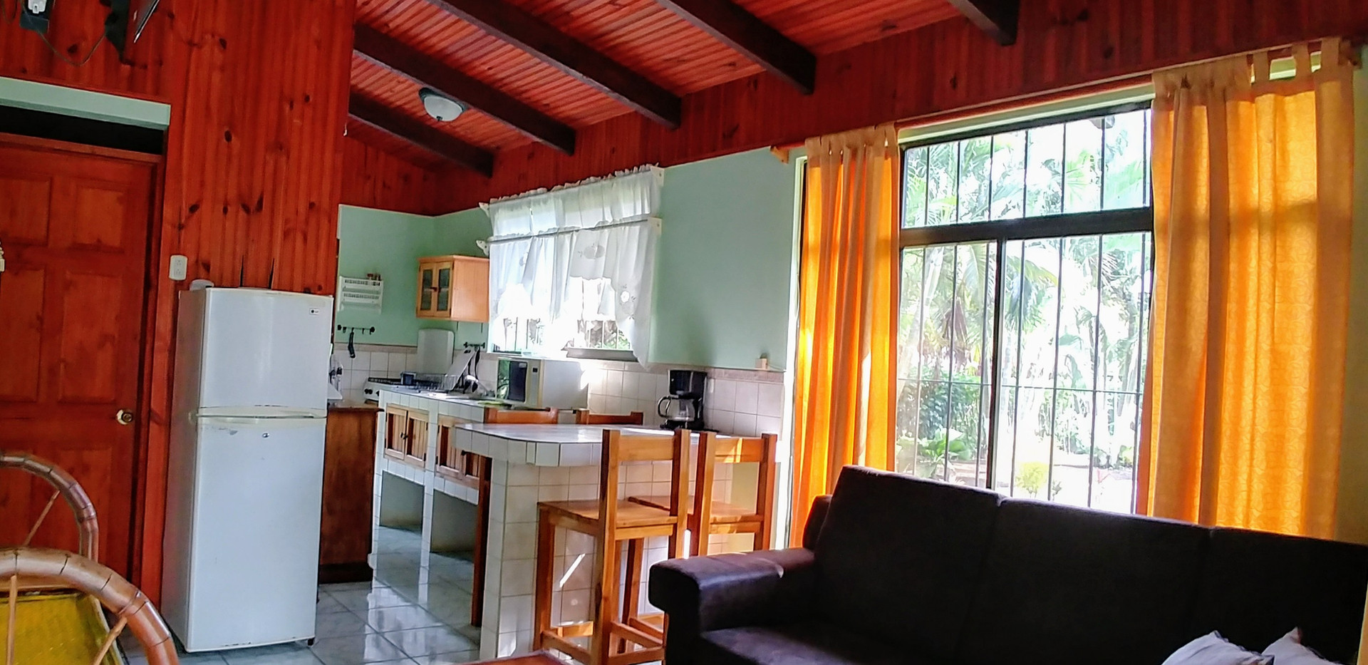 Palma Real cottage-kitchen, dining and l