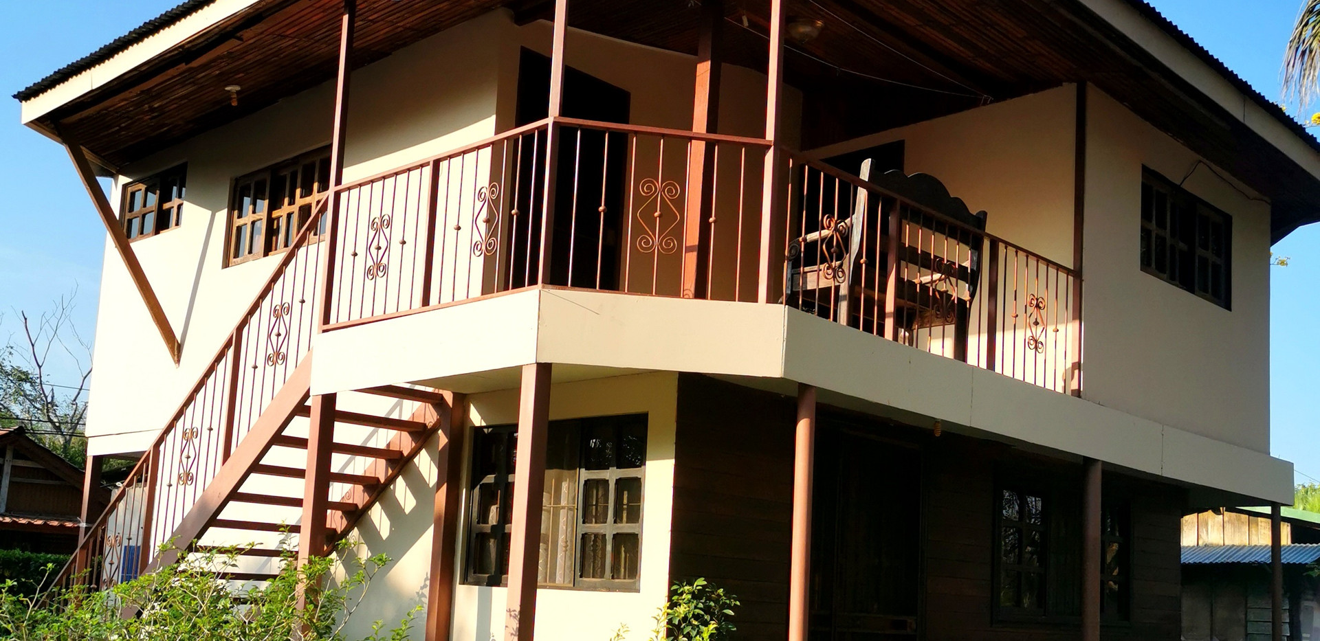 Linda Vista cottage vista frente Abril 2