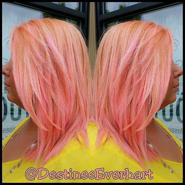 ORANGE RASPBERRY SHERBERT💛🍊🍦 Using #handpaintinghighlights techniques to break up old #ombre we w