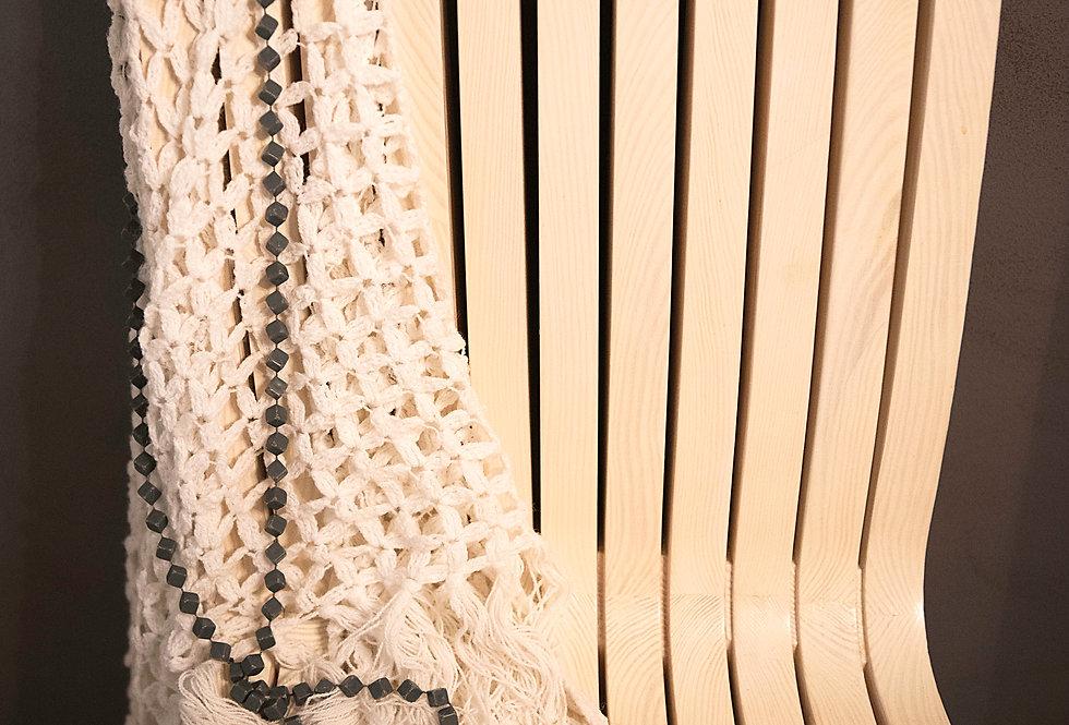 krzesło drewniane ażurowe białe