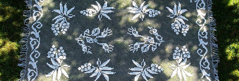 obrus wykonany iglicą