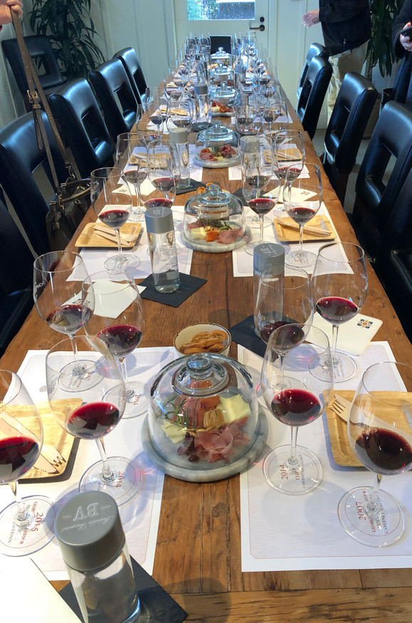 Table-Long-Lots-of-Glassware.jpg