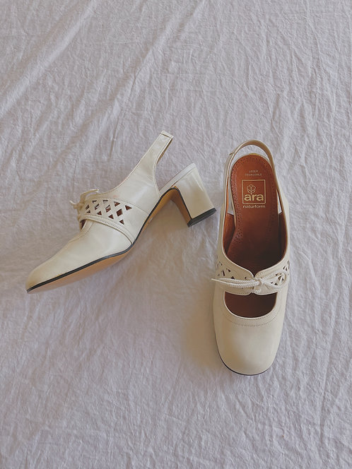 Vintage Wicker-Inspired Block Heels (6)