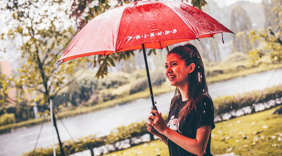 CentralPerks_Umbrella_02.jpg