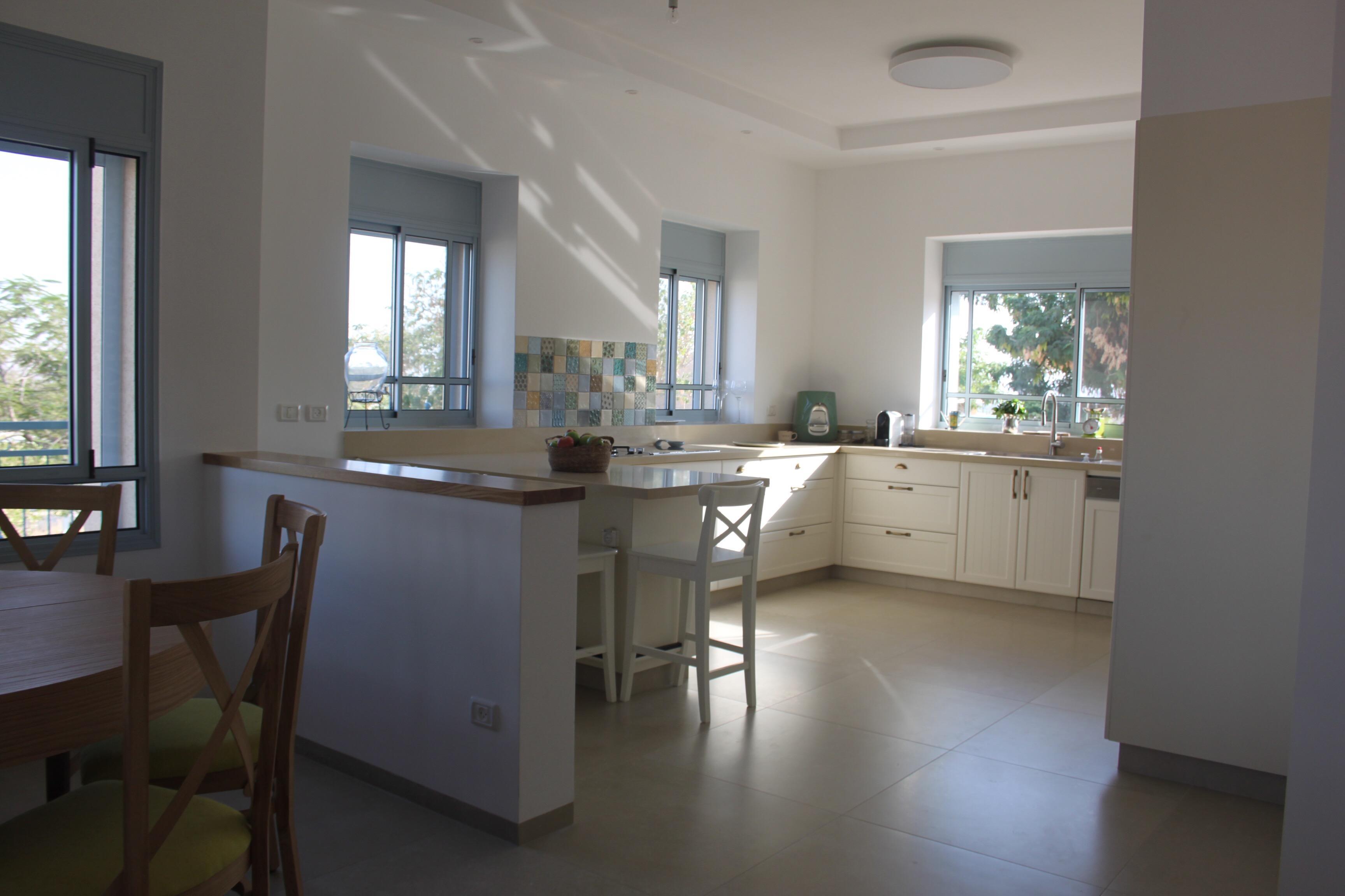 מבט למטבח 1