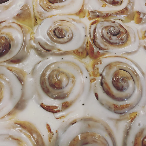 Take home Cinnamon roll pans pick up December 31st 8am-2pm
