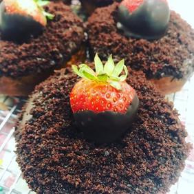 We're open! New flavor Chocolate Cake 🍓