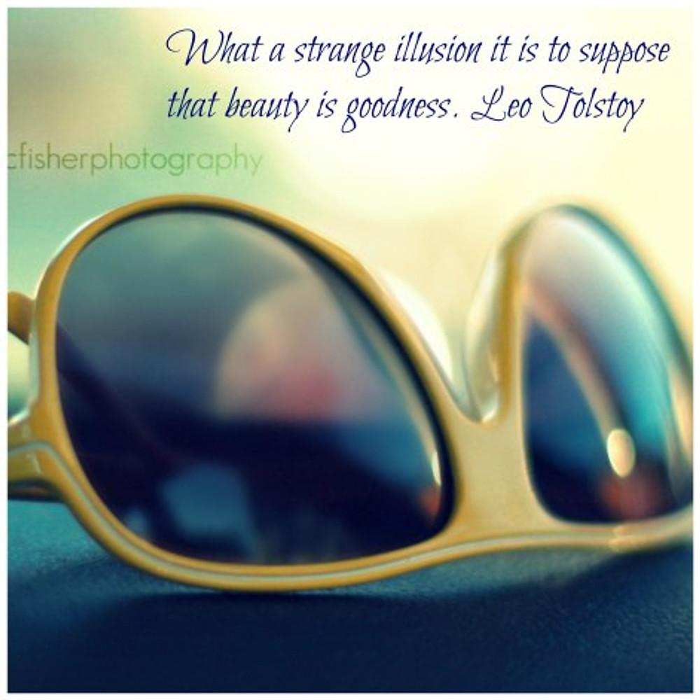 StrangeIllusion_Tolstoy