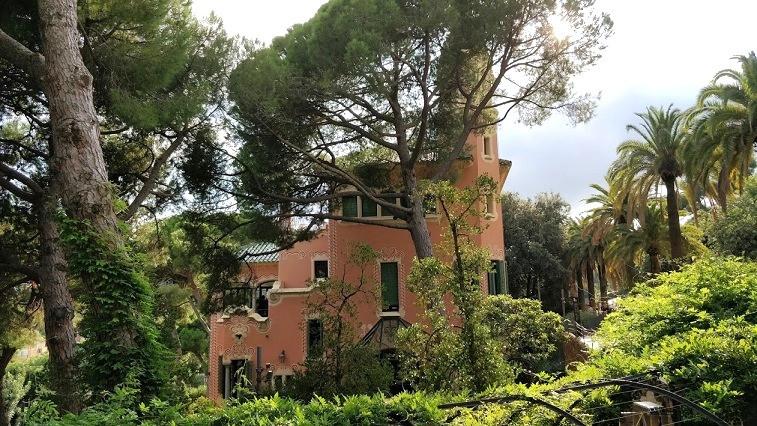 פארק גואל, אנטוניו גאודי, ברצלונה