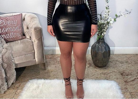 Milky Black Skirt