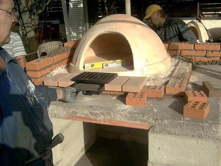 Te mostramos como se hace un montaje de un horno de le a - Como hacer horno de lena paso a paso ...