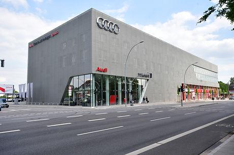 Audi terminal Langenhorner Ch. 666.JPG