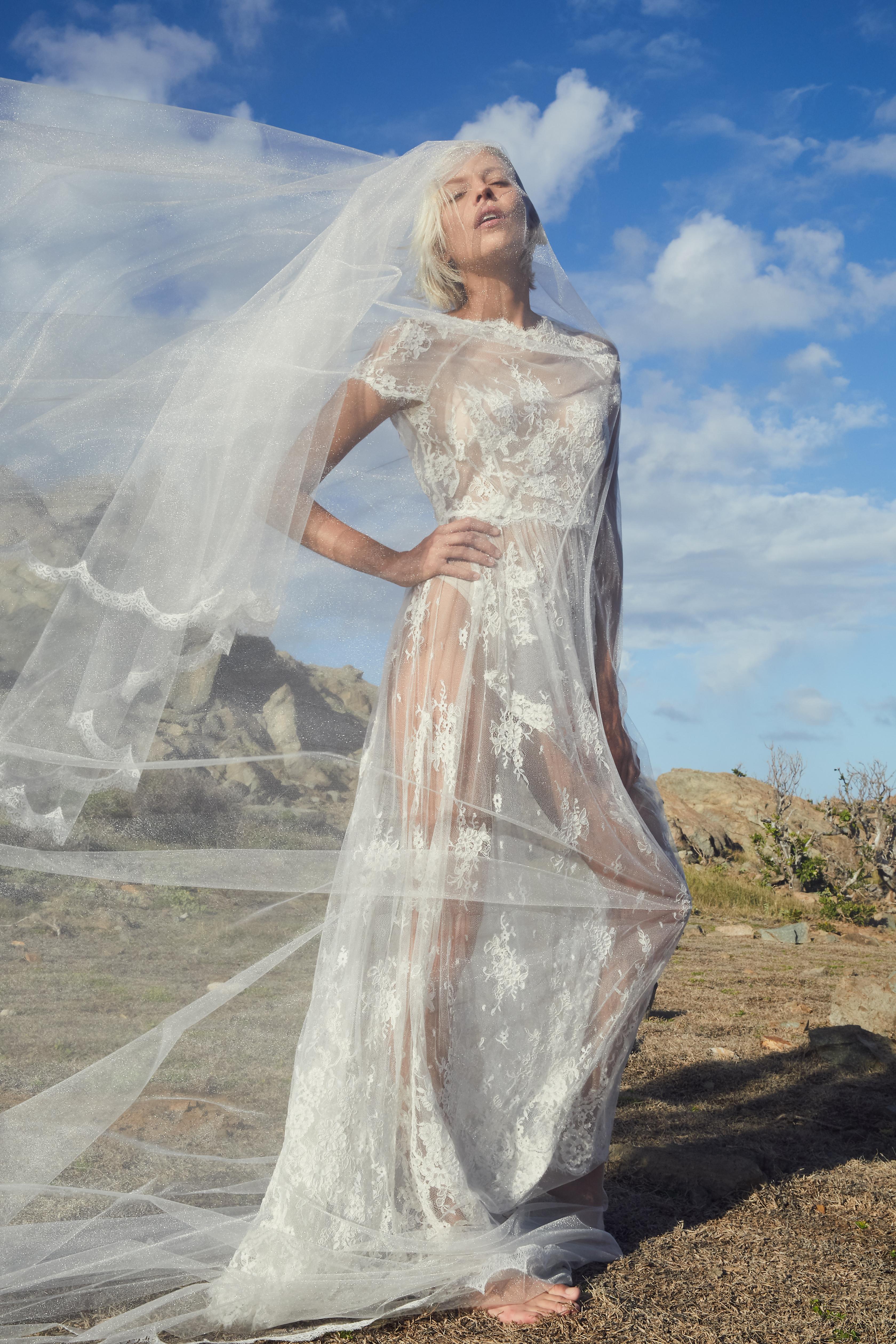 FANNY-LIAUTARD Robe de dentelle et v