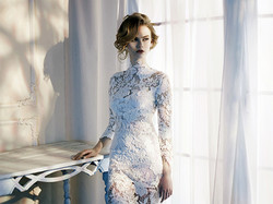 La belle robe de dentelle blanche copie