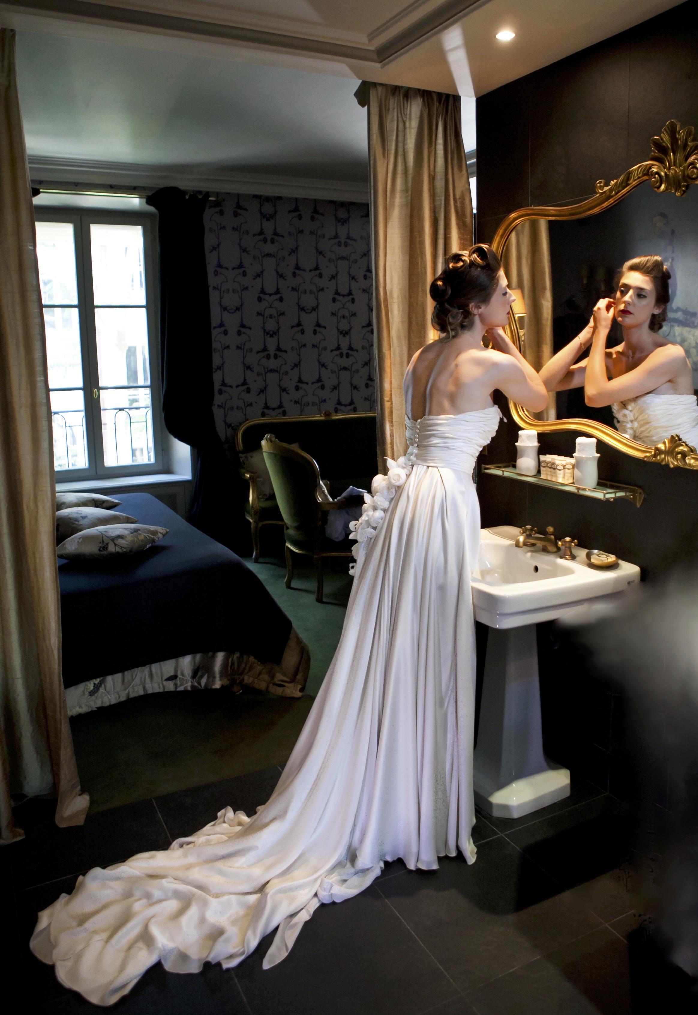 Robe de mariage bustier et traine