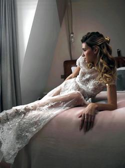 Robe de mariée manches courtes en dentelle de Calais