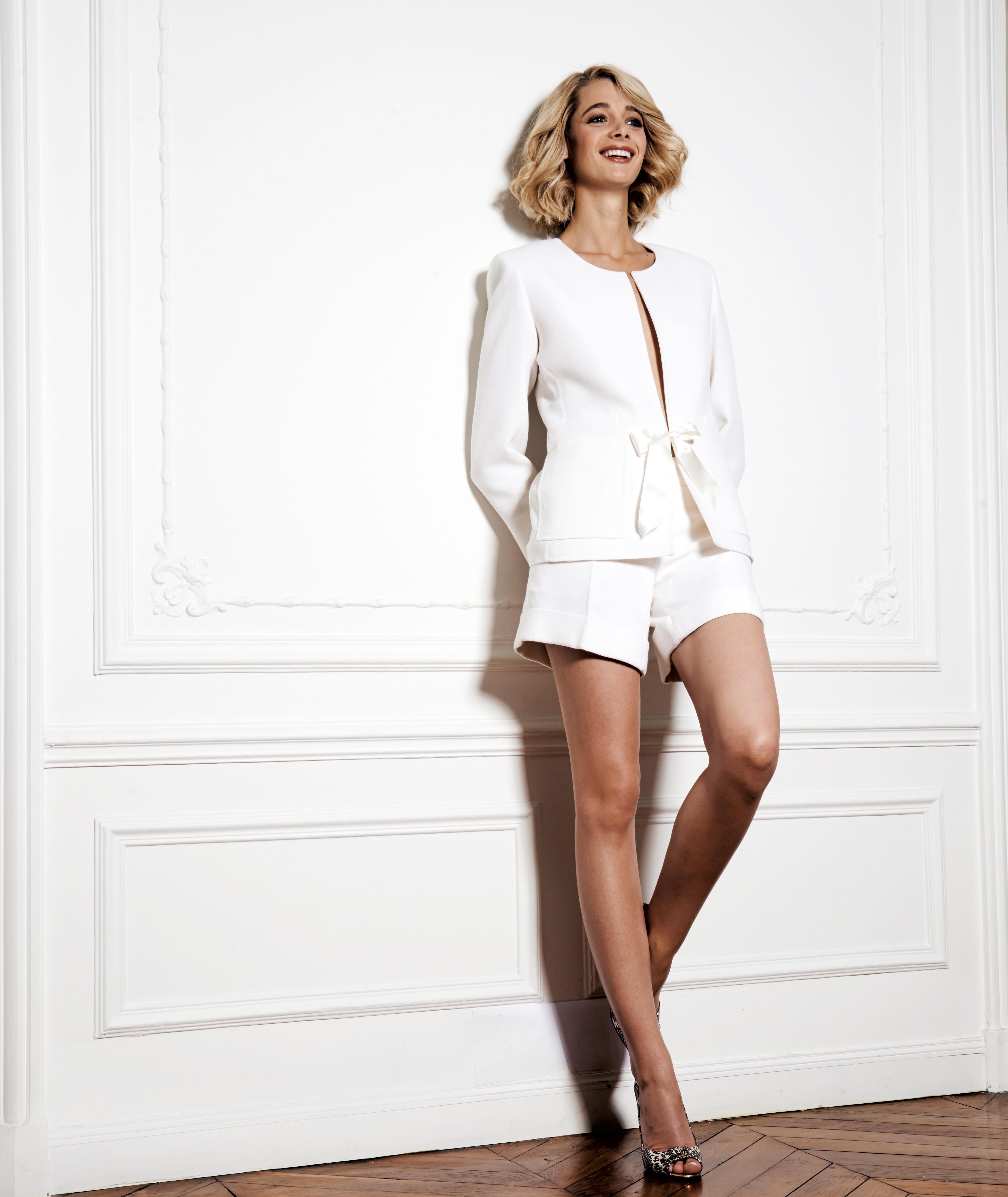 Tailleur short blanc pour mariée