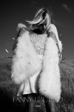 de plume, blouse de dentelle