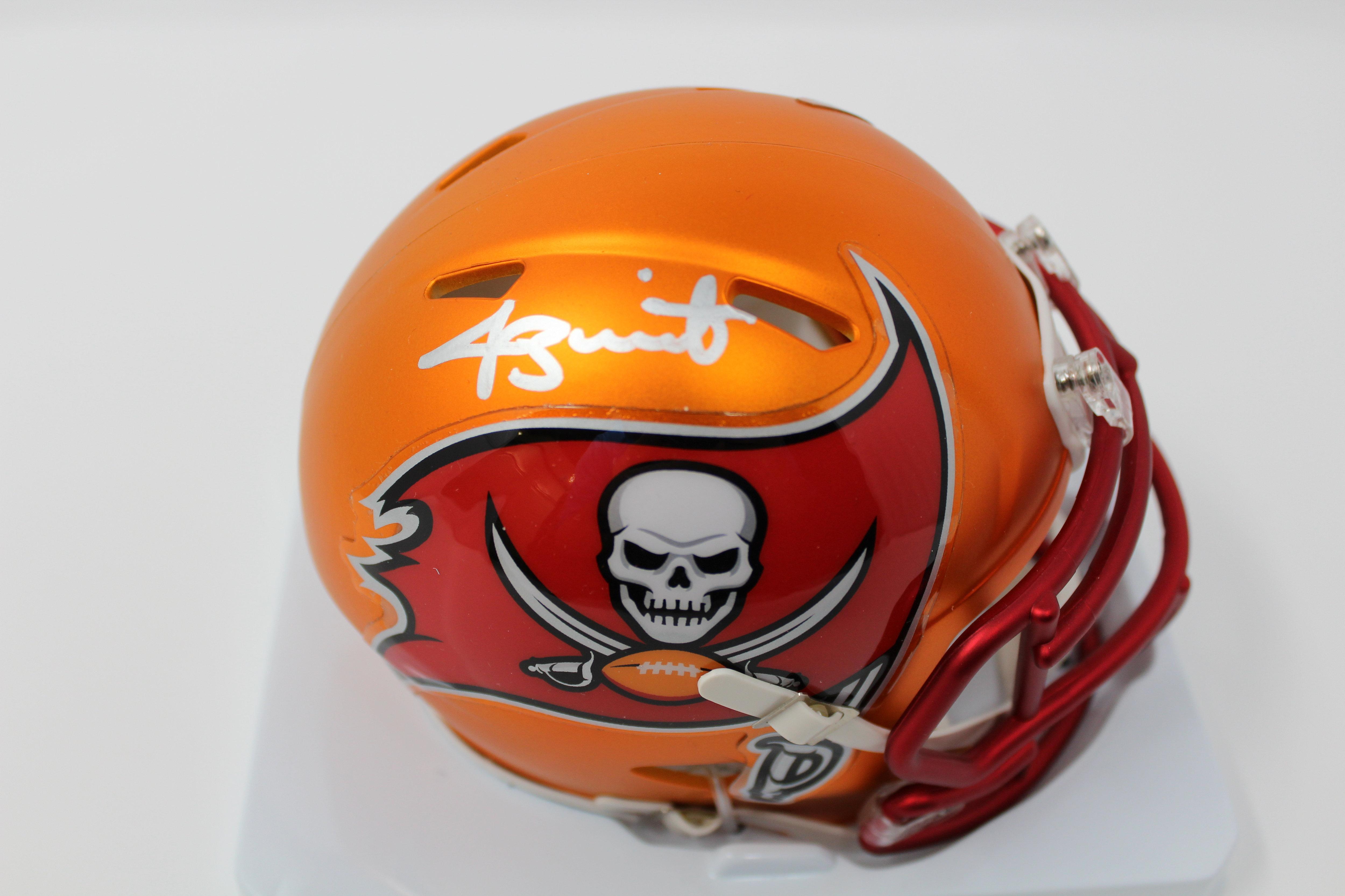 separation shoes 2ed88 76322 Jameis Winston Autographed Tampa Bay Buccaneers Blaze Mini Helmet