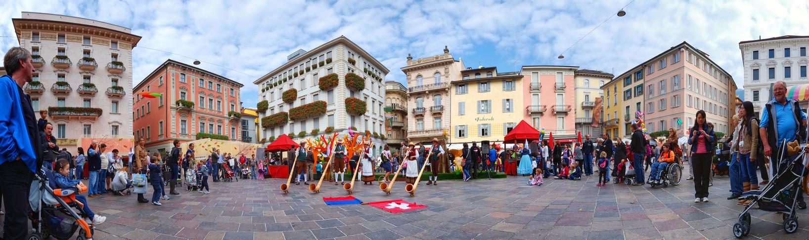 Lugano-Piazza Riforma-2.jpg
