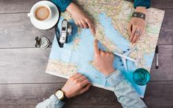 RETIREES1015-family-travel-plans