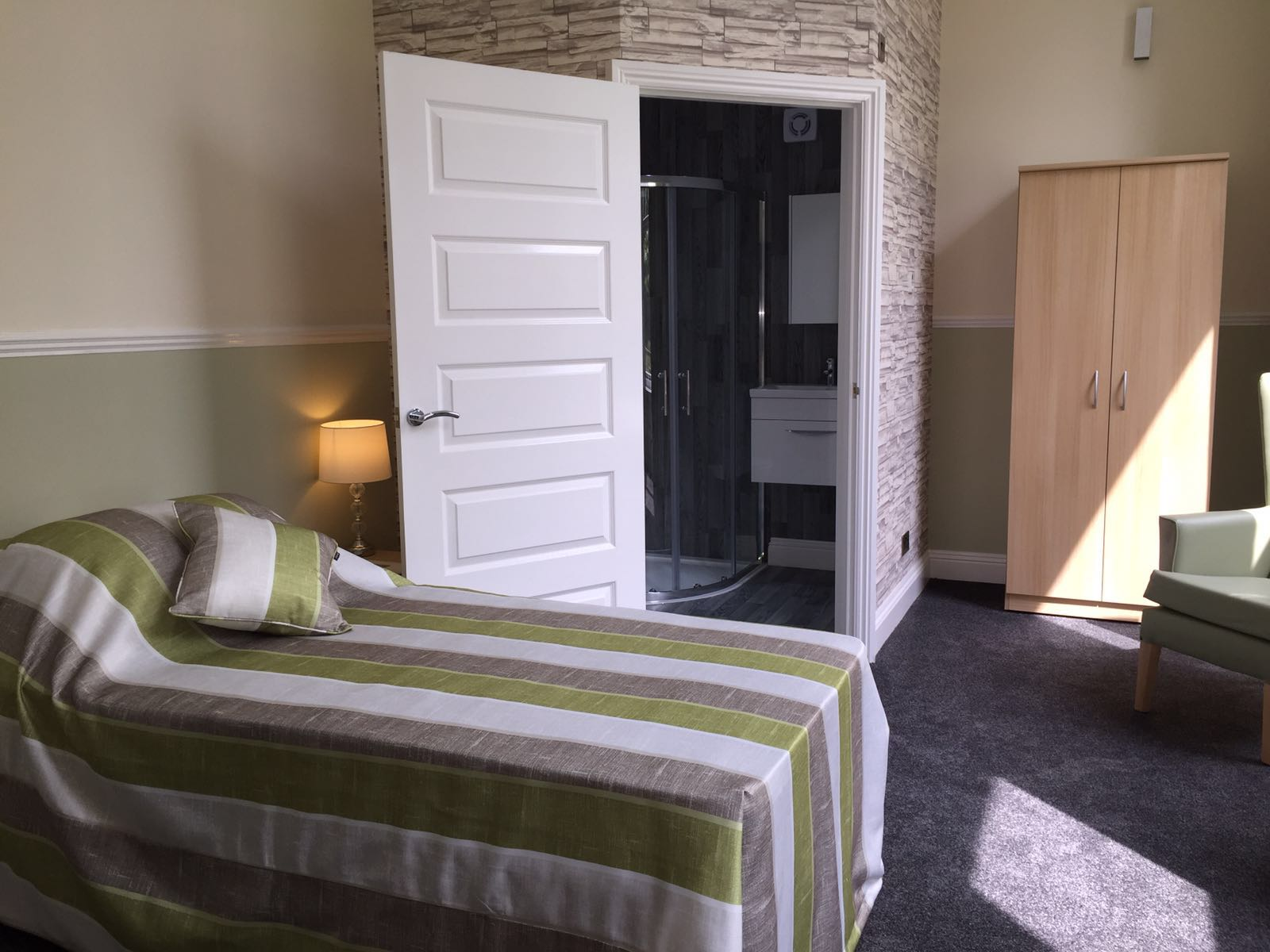 Shedfield Lodge Care Home Dementia Specialist Luxury Accomodation 8