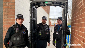 Officers engage with hundreds of people during week of knife crime action