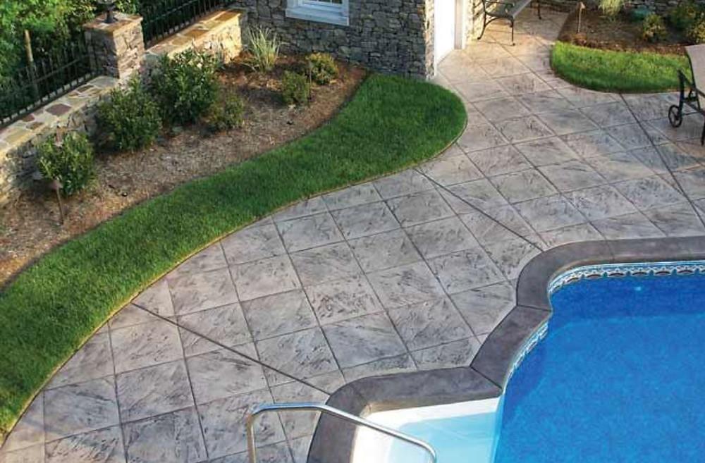 Stamped concrete pool walkway