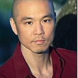 Frank J Kim - Headshot Nuevo - small.png