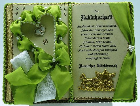 Deko-Buch Rubinhochzeit (mit Holz-Buchständer)