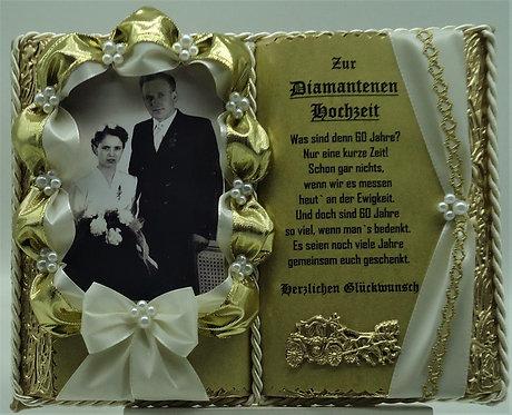 Deko-Buch creme/gold zur Diamantenen Hochzeit für Foto (mit Holz-Buchständer)