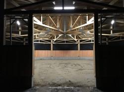 Longierhalle bei Nacht