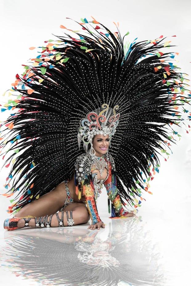 Brazilian Samba Queen Dancer for hire in London