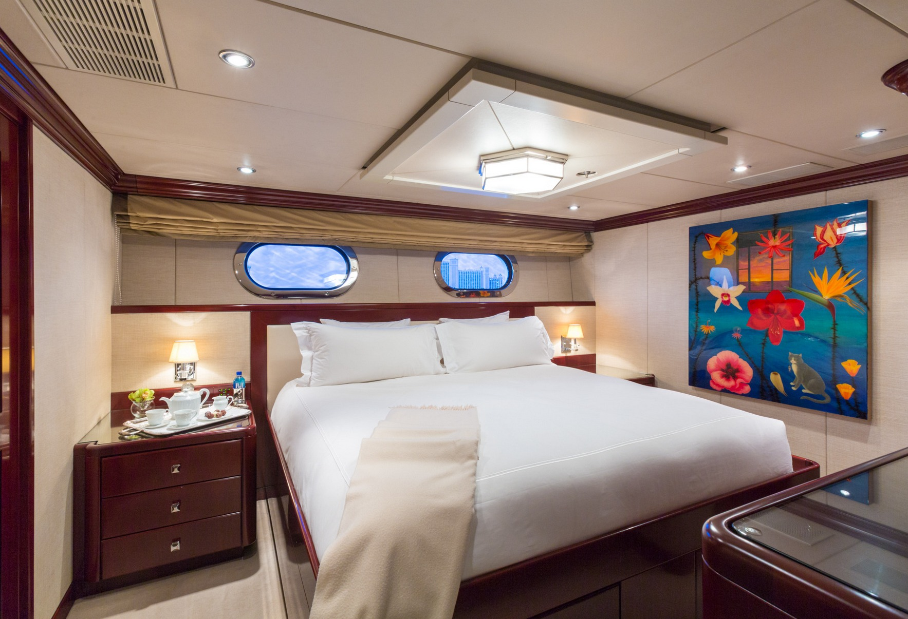 charter-yacht-lady-joy-vip_king_guest_stateroom3_001