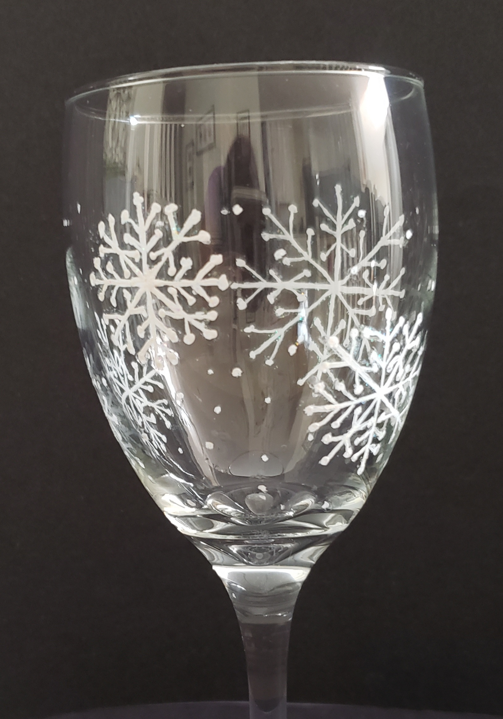 Snowflake wine glass home page